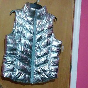 😘Nwt Bold silver Chevron Vest Size Xl